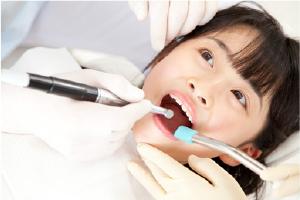 予防歯科治療ってどんなことをするの?【でくち歯科医院】